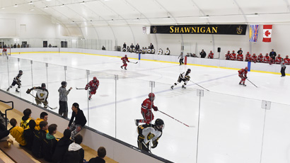 Sprung ice arena - Climate-controlled, cost-effective ice rink.