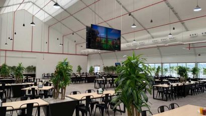 This large lunchroom, in this fabric building, is located at an international mine site. Sprung prefab buildings are easy to ship to remote sites. This lunchroom offers a large selection of menu items to its employees.