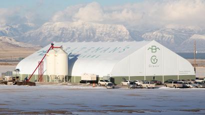 Grov controlled environmental greenhouse